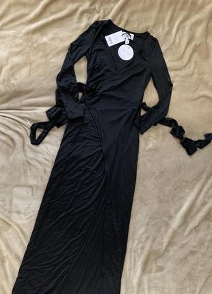 Довге плаття на запах чорного кольору rebecca stella4 фото