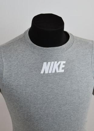 Женская футболка nike modern оригинал1 фото