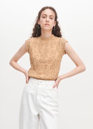 Кружевная блуза reserved бежевого цвета с воротником стойкой, размер с2 фото
