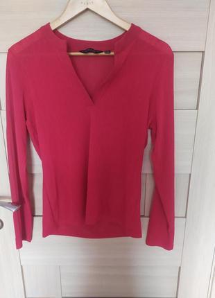Красивая блузка ч в образным вырезом красная с длинным рукавом 40 л м с