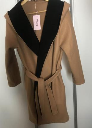 Пальто з капюшоном, мантія