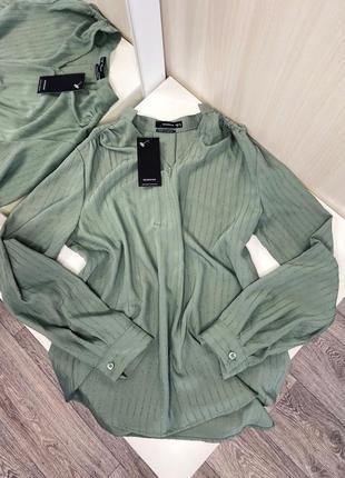 Новая зелёная блуза из текстурированной ткани от reserved, размер с