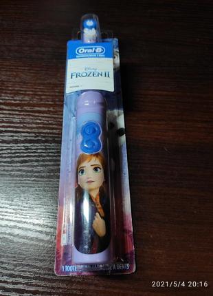 Детская зубная електрощетка oral-b frozen анна,дитяча зубна електрощітка