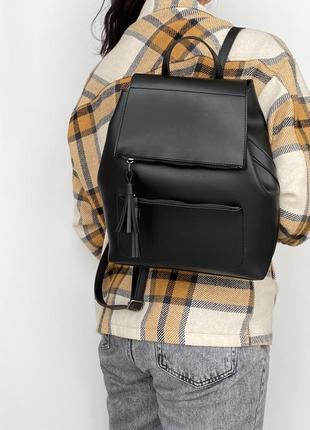 Молодіжний рюкзак чорного кольору