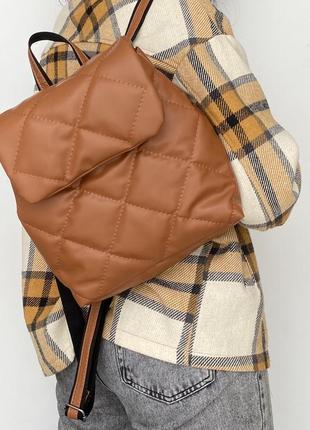Стьобаний рюкзак рудого кольору