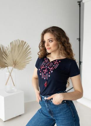 Женская футболка-вышиванка вышивка звездное сияние7 фото