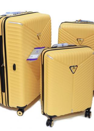 Дорожный чемодан из полипроилена snowball  05103 robust