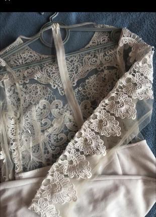 Шикарне плаття з мереживом3 фото