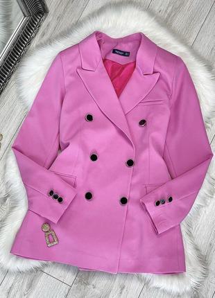 Яркий розовый пиджак жакет двубортный over size