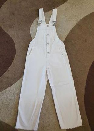 Білий джинсовий комбінезон