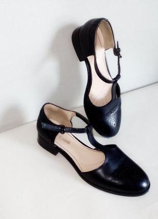 Кожаные летние туфли clarks с технологией cushion soft