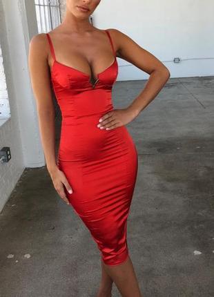Платье миди шелковое атласное oh polly  с чашками и крючками на спине. сукня міді