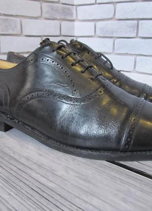 Кожаные туфли броги loake