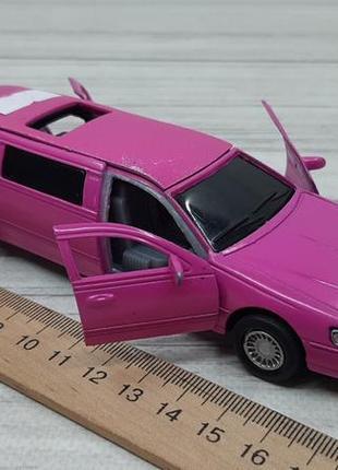Металлическая машинка лимузин
