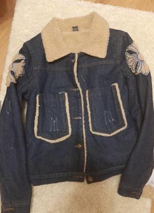 Новая фирменная тёплая джинсовая куртка размер xs-s