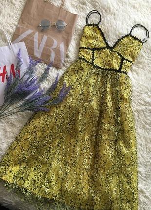Желтый цветочный кружевной сарафан3 фото