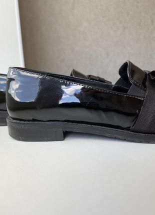 Туфли лоферы из натуральной лаковой кожи5 фото