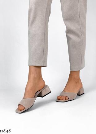 Стильные шлепанцы на каблуке, натуральная замша3 фото