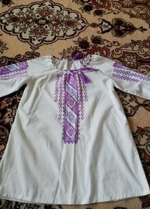 Продам дуже хорошу  блузку-вишинку, ручної роботи на дівчинку