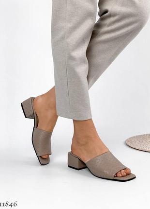 Стильные шлепанцы на каблуке, натуральная кожа3 фото