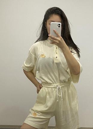 Костюм молочный бежевый nike шорты футболка