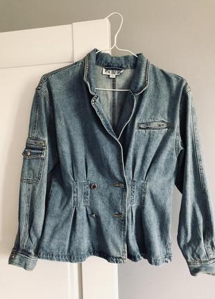 Дуже крута джинсова куртка