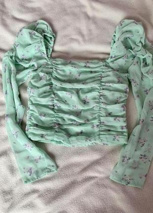 Укорочённая блуза
