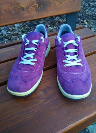 Удобные замшевые кроссовки ботинки lowa