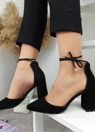 Жіночі туфлі на стійкому каблуку2 фото