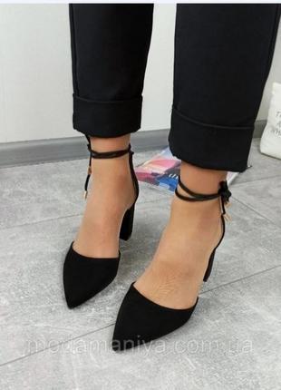 Жіночі туфлі на стійкому каблуку3 фото