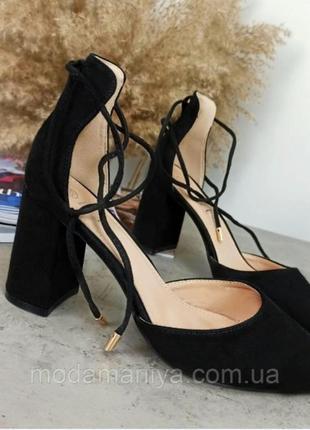Жіночі туфлі на стійкому каблуку4 фото