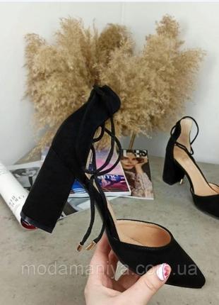 Жіночі туфлі на стійкому каблуку5 фото