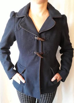 Короткое пальто темно синего цвета