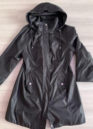 Удлинённая куртка плащ