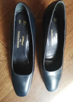 Туфли женские темно-синие маленький низкий каблук квадратный носок marks&spencer