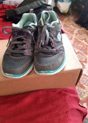 Skechers фирменниє кросовки оригинал из шотландии.3 фото