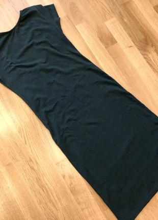 Темно-зелёное платье футляр с открытой спинкой