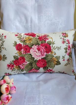 Декоративная подушка с розами 30*48 см с водоотталкивающей ткани 💦