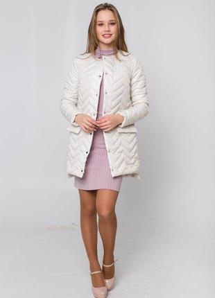 Весенняя демисезонная куртка по скидке! распродажа! скидка! выгодная цена. ветровка