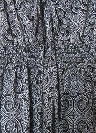 Платье хб летнее черно-белое с большим декольте4 фото