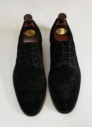 Черные туфли броги