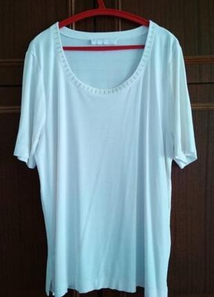 Белая футболка со стразами mcm