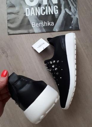 Уличные кроссовки bershka