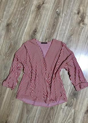 Блуза на запах в актуальну полоску
