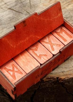 Подарочный набор красные руны в шкатулке
