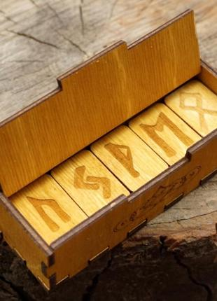 Подарочный набор руны в шкатулке желтые