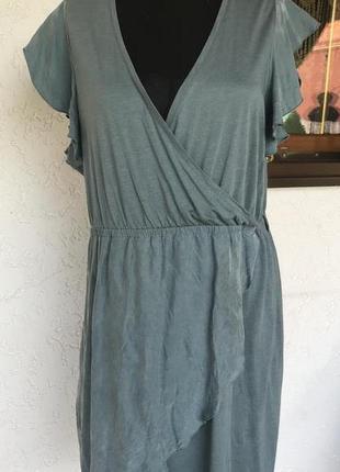 Платье спортивного стиля с элементами из натурального шелка. бренд noa noa из дании.
