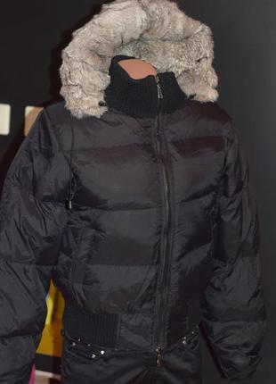 Зимняя куртка-пуховик, короткая, капюшон из натурального меха