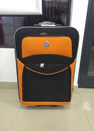 Дорожный чемодан на 5 колесах