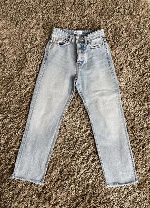 Прямы джинсы zara